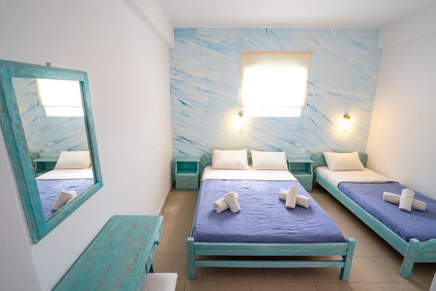 Contemporary Triple Room